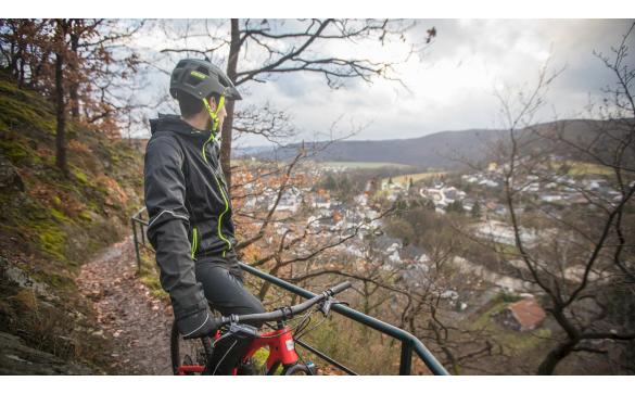 Велошлем BBB 2018 Nanga серый матовый/красный